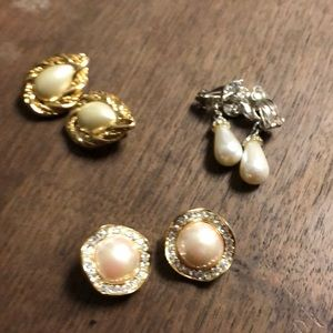 Jewelry - Pearl Clip Earrings-Excellent vintage condition.